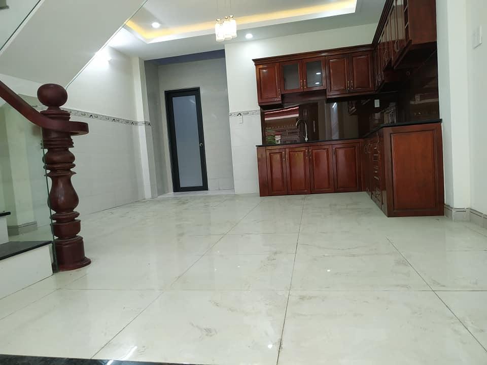 Không gian bếp rộng và thoáng